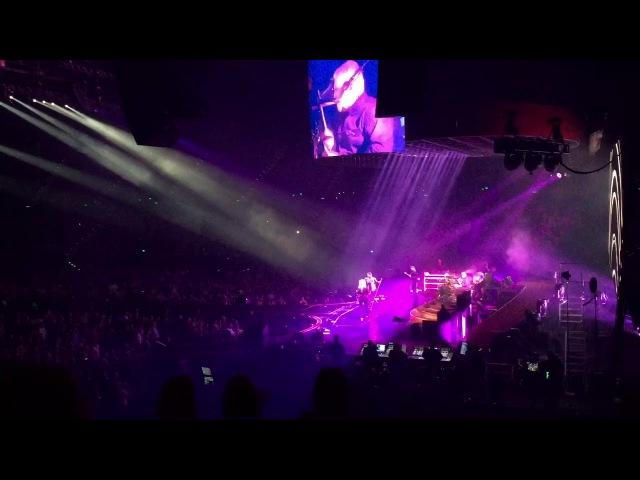 Queen Adam Lambert - Don't Stop Me Now (Live at Brisbane Entertainment Centre)
