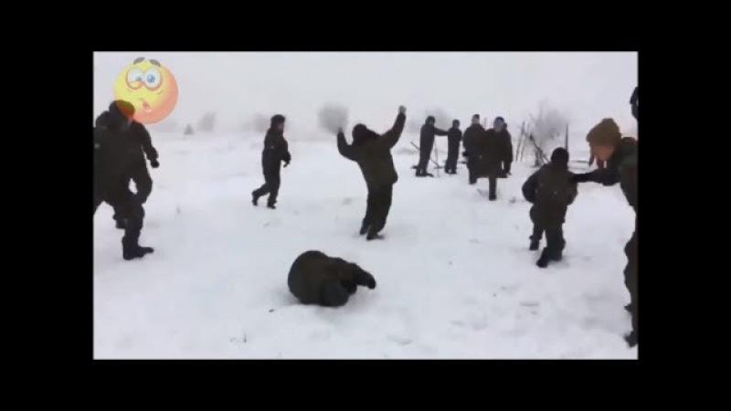Армейские приколы или Юмор в армии Дедовщину никто не отменял 9 Армейский юмор п...