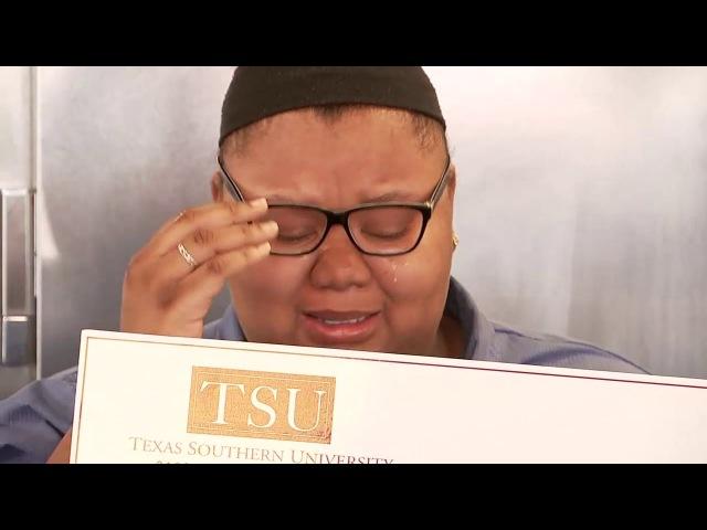 TEAR JERKER! Waffle House waitress surprised with scholarship