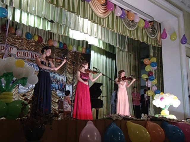 Выпускной Овруч 2015 Гимназия Пианино и скрипка
