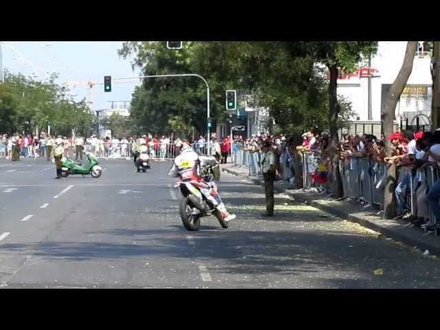 Dakar 2013 caida frances Duclos camino a premiacion de clausura en Santiago de Chile
