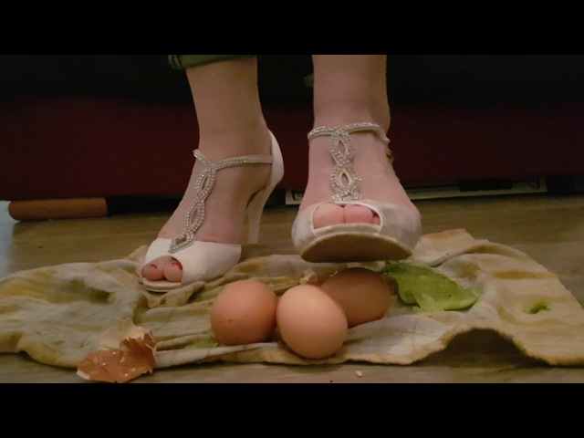 Crush fetish high heels eggs trample eggs/deptanie jajek