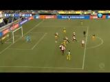 Игроки «Ден Хаага» мгновенно разыграли штрафной и сочинили шикарный гол