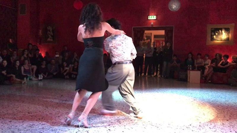 Gaston Torelli e Mariana Dragone - La Bruja