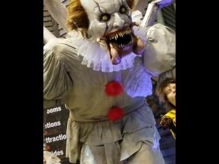 Кошмарный клоун Пеннивайз ожил ?