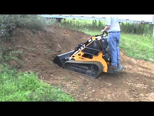 2006 Boxer Brute 427 Rubber Tracked Mini Skid Steer Loader Kohler Gas 27HP For Sale Mark Supply Co
