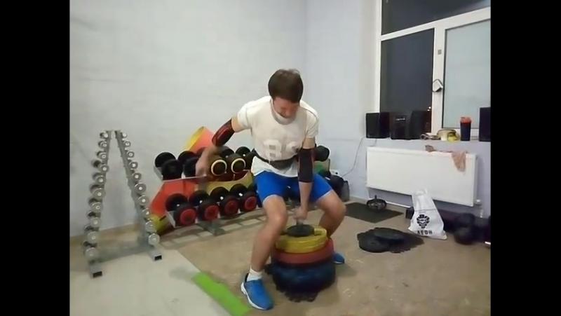 Potapenko Dmitriy - 140kg (48mm V-Bar)
