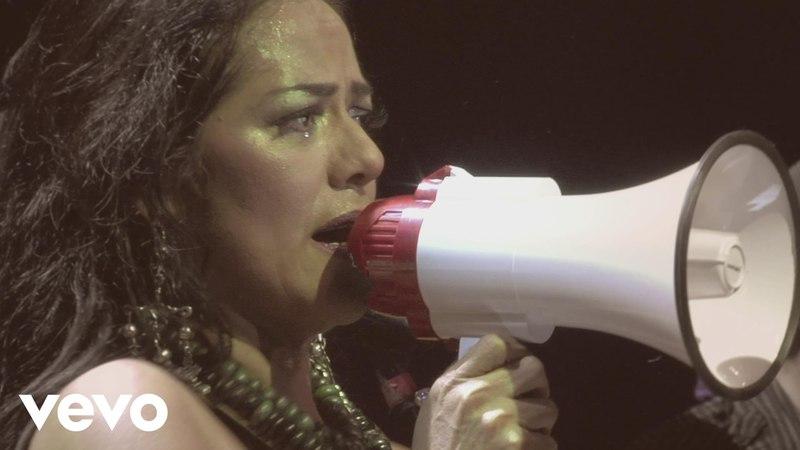 Lila Downs - Dulce Veneno Spoken Words (Concierto en Vivo)
