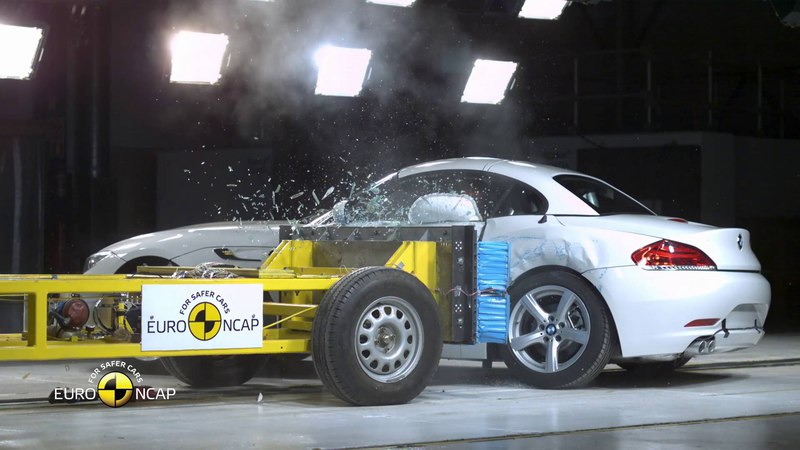 Euro NCAP Crash Test of BMW Z4 2015