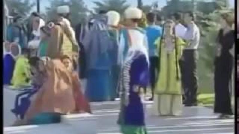 Граждане Туркмении не платят за комуналку и бензин