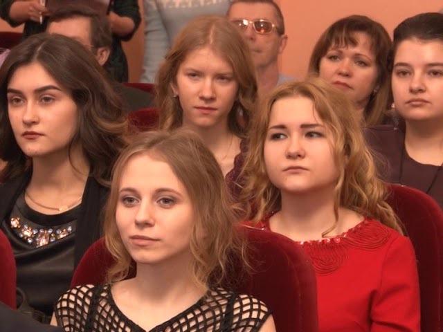 Винтовая лестница 31.12.17 В гостях у мэра и Сердце отдала детям
