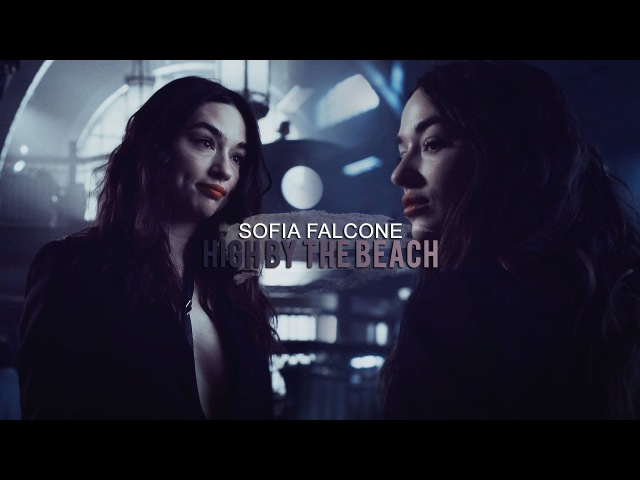 Sofia Falcone (Jim Gordon)||●By the beach●(4x03)