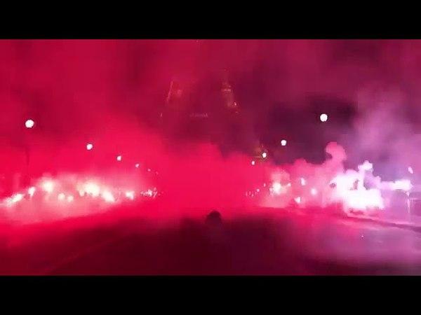 Les ultras du Psg fête le titre devant la Tour Eiffel - ultras - PSG