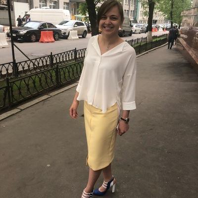 Алена Жуковская