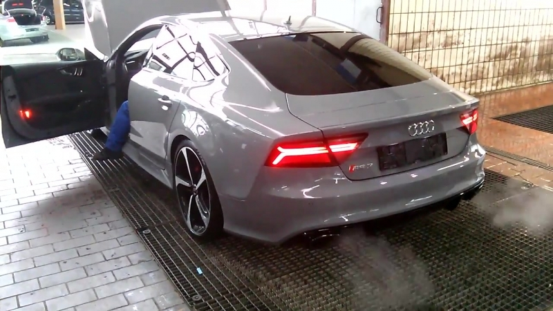 Audi RS7 Sound in neutral