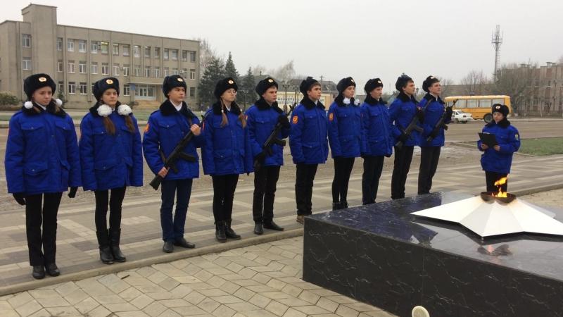 Торжественная клятва перед заступлением на Пост № 1 МБОУ-СОШ № 10
