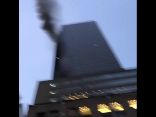 В Нью-Йорке горит Trump Tower