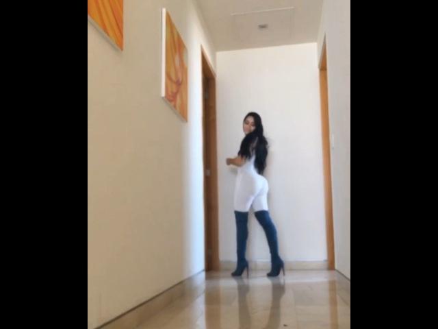 """Jailyne Ojeda Ochoa on Instagram: """"Si subo un video donde se me mueven mucho las nalgas dicen no hace ejercicio si tuviera músculo no se movieran a..."""