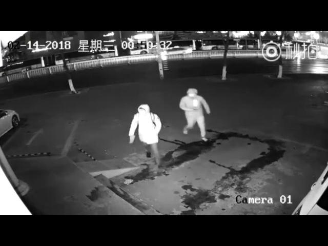 Неудачное ограбление с кирпичом