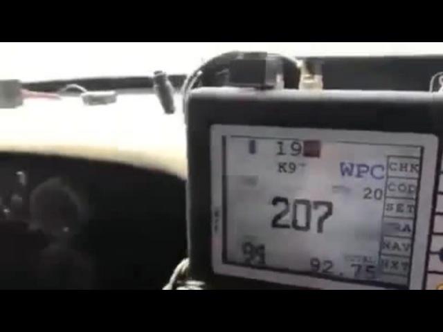 КАМАЗ обогнал соперника на скорости 207 км/ч, как стоячего!
