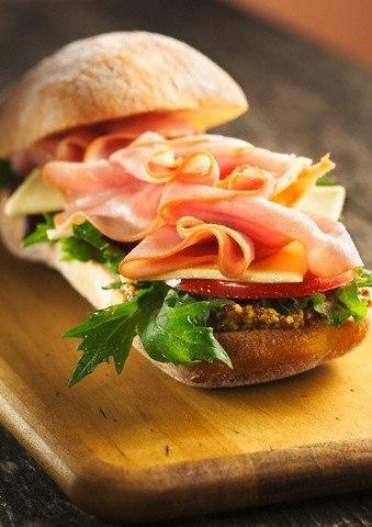 17 вариантов приготовить заправку для бутербродов.