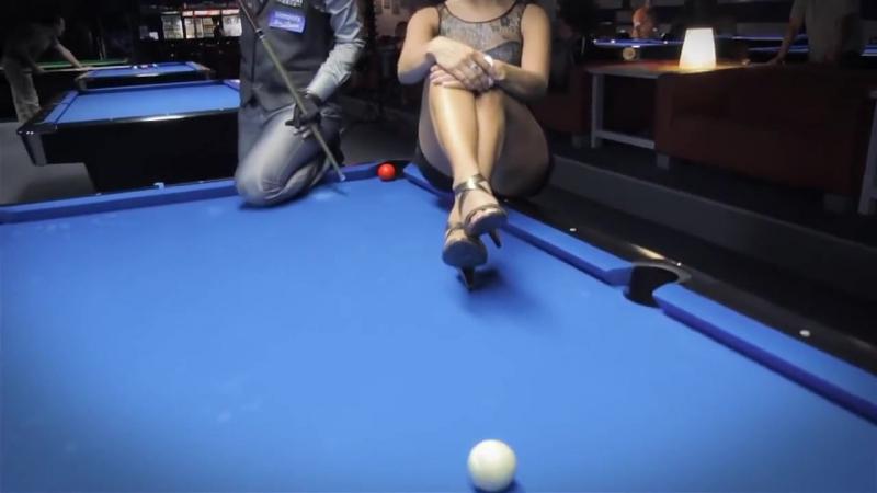 Трюки на бильярдном столе вопреки всем законам физики