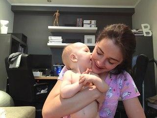 В контакте милая девчонка массаж видео