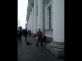 Очень весёлый жонглёр))) на Не́вском проспекте