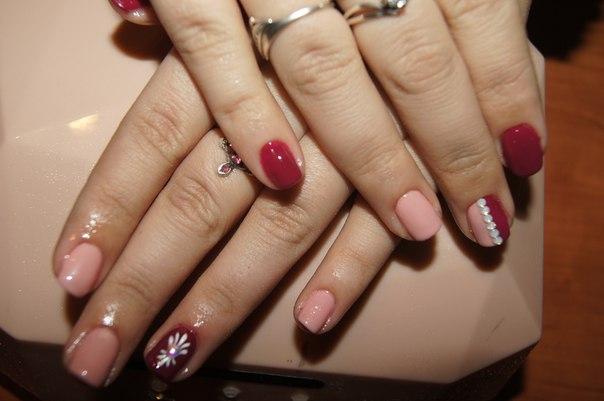 #ИМЛ48  Ищу модель на наращивание ногтей + покрытие гель лаком (входит маникюр и дизайн) = 600 рублей Покрытие гель-лаком = 400 рублей Выезд на дом
