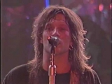 Bon Jovi: Jon Bon Jovi flirting with his fans, Livin On A Prayer (Live in Tokyo 1988)