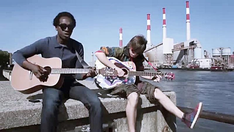 Молодые американцы поют Виктора Цоя