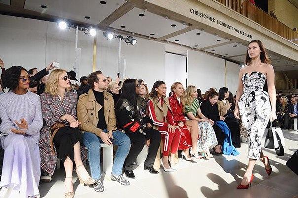 Неделя моды в Нью-Йорке: Блейк Лайвли, Эмили Блант, Белла Хадид, Ева Герцигова и другие на показе Michael Kors