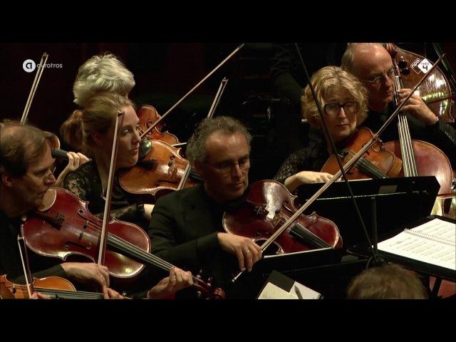 Mozart: Piano Concerto No. 7, 'Lodron', KV. 242 - Arthur en Lucas Jussen - Live concert HD