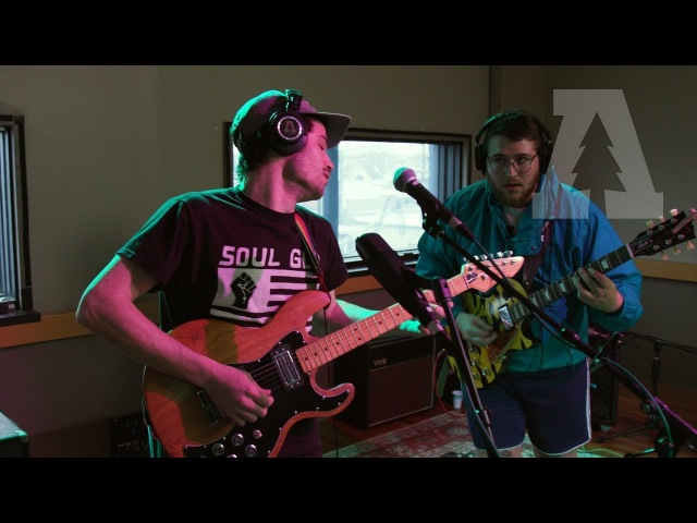 Mom Jeans. - Edward 40hands | Audiotree Live