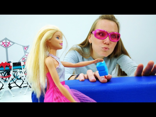 Маша в Салоне Красоты у Барби Новогодний карнавал