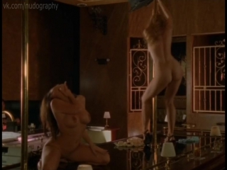 Сьюзэн Фитерли (Susan Featherly), Тэйми Хэннам (Taimie Hannum) голые - Пробуждение Габриэллы (The Awakening of Gabriella, 1999)