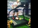 тренировка футболиста на беговой дорожке