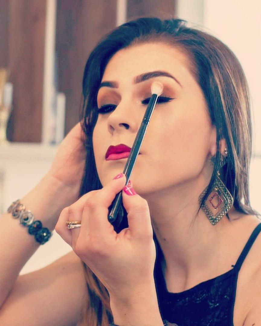 Афиша Тольятти Бесплатный мастер класс по макияжу смоки