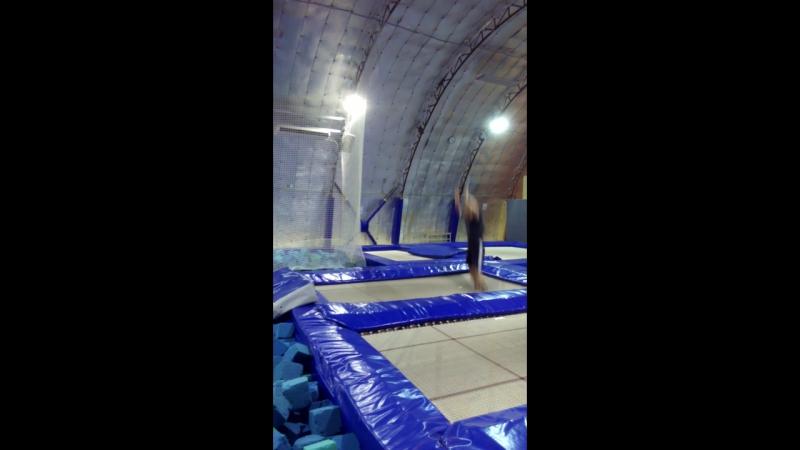 тренировкистренером coach_khrapov прыжкинабатуте tambling trampoline balans hаndtohаnd спичак swabs equilibration