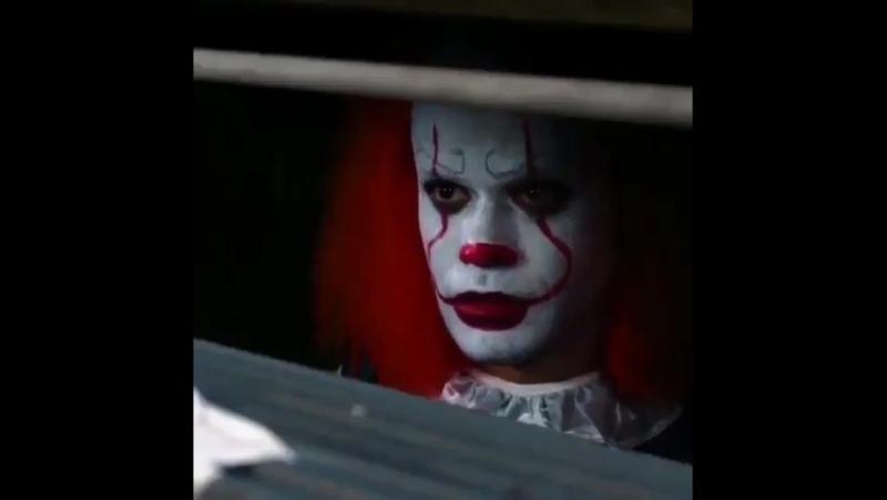 Клоун из Оно знакомится с девушками пранк