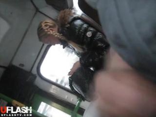 секс в автобусе при людях