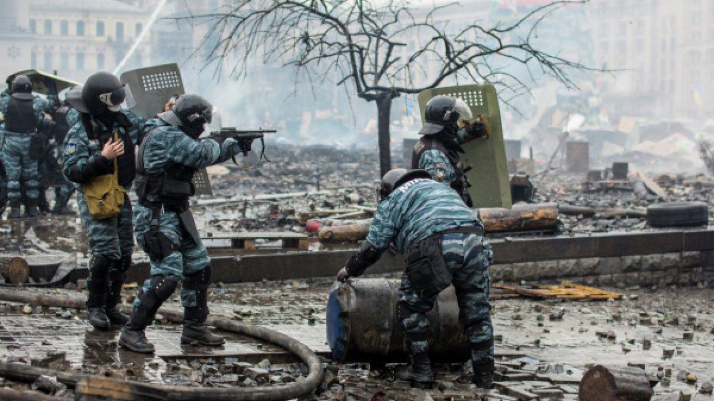 Луценко пора признаться в заказе стрелков на Майдане - Парасюк