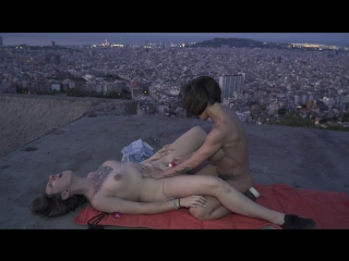 Betty Foxxx, Yuno Love - Дикие лесбиянки публично трахаются / Wild Spanish lesbians Betty Foxxx & Yuno Love in hot public outdoo