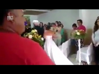 Сэкономили на музыке для свадьбы