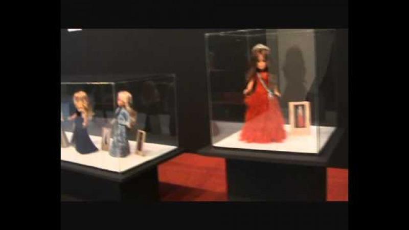 Exposición de las muñecas Nancy de Herminia Marcado en IFEBA -Badajoz-