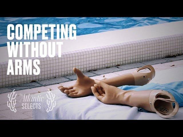 Видео о чемпионке по фехтованию, у которой нет рук.