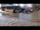 В Уфе затопило проспект Октября в районе остановки Фирма Мир