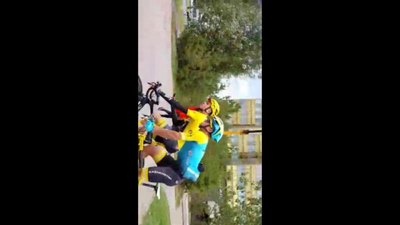 Приятно было пообщаться и проехать в паре с великим четырёхкратным победителем « Тур де Франс » Крис Фрум из британской Team Sky