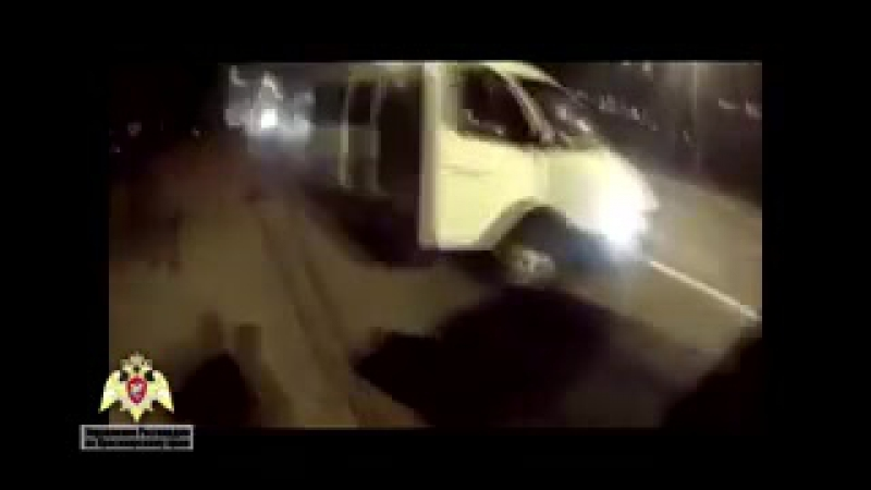Сутенеры ранили в голову бойца СОБРа и попытались скрыться на внедорожнике в Красноярске