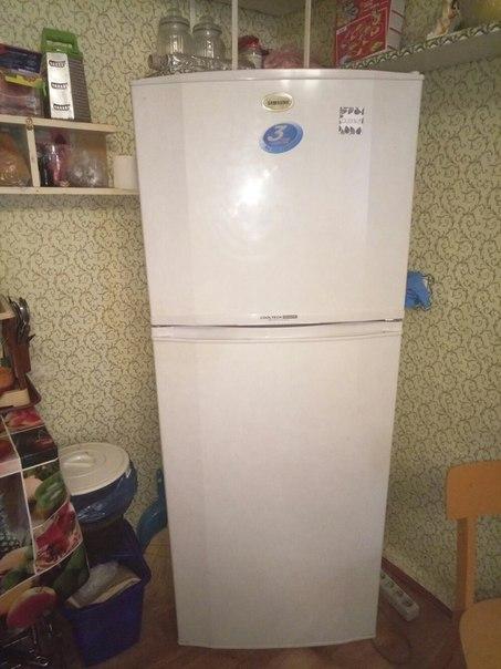 Продам холодильник б/у в хорошем состоянии. Приморский район.  +380939